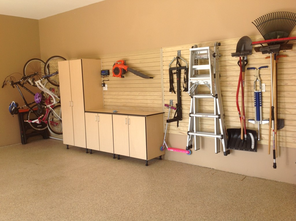 Garage Designs Of St Louis: Simple, Clean Garage Organization