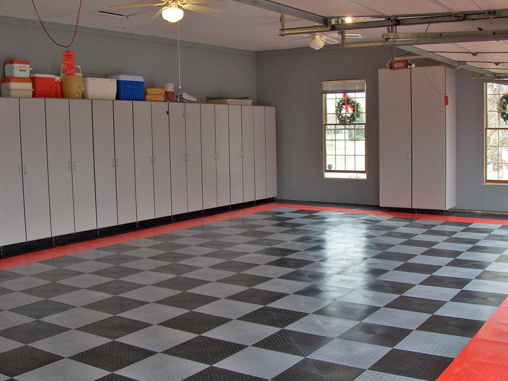 Garage flooring epoxy and racedeck flooring in st louis for Garge floor