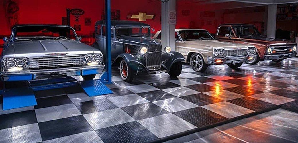 RaceDeck Garage
